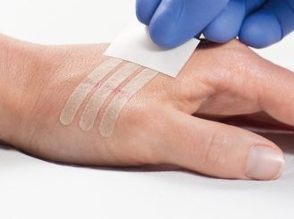 Omnistrip® Wundnahtstreifen, 6 x 76 mm, steril, eingesiegelt zu 3 Stück 50x3 Stück